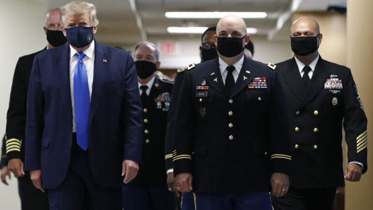 ABD Başkanı Trump aylar sonra ilk kez maskeyle görüntülendi