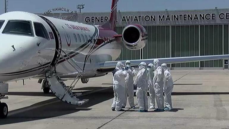 Son dakika haberler: Koronavirüs hastalarını getiren ambulans uçak Atatürk Havalimanına indi