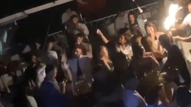 İstanbul Boğazında pes dedirten parti... Virüse meydan okudular