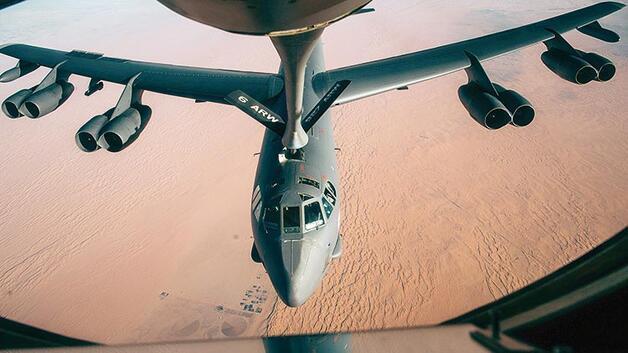 İran'a B-52'lerle mesaj