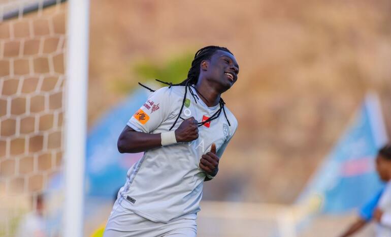 Bafetimbi Gomis şov yaptı, 3ü penaltıdan 4 gol attı