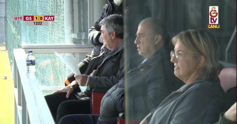 Fatih Terim, Fulya Terim ve Arda Turan, Galatasarayın U19 maçını takip etti